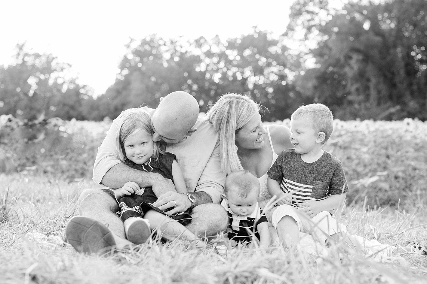 sunflowerfieldpicturesclearmeadowfarmportraitssunflowerfieldfamilyphotos-33