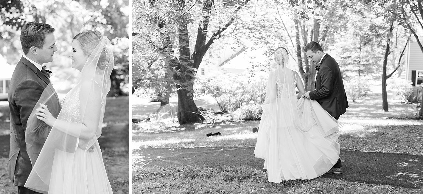 First glance between bride and groom, Arpasi photography, black and white
